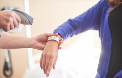 Patient wristband scan at patient bedside